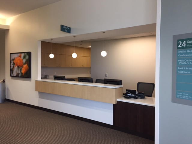 tx-medical-center-opc-bldg-2-reception-desk